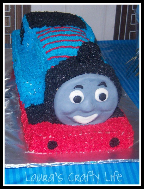 Thomas the train cake main