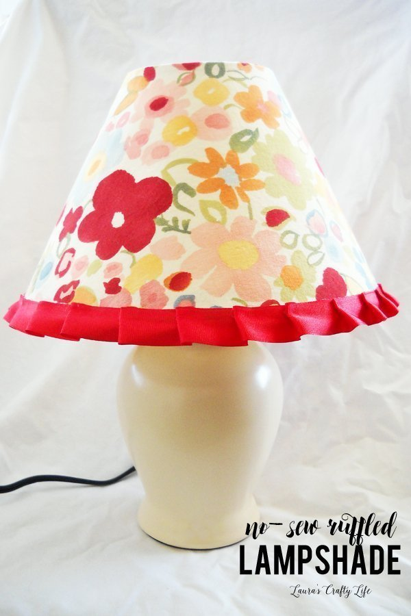 DIY No-Sew Ruffled Lampshade