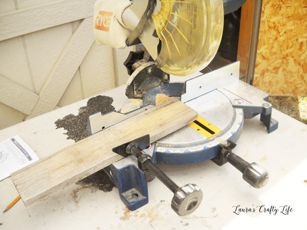 Use compound miter saw to cut wood