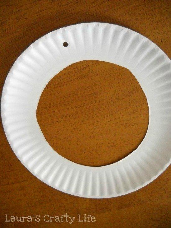 cut hole in paper plate
