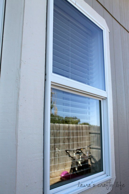 Day 6: Clean Windows and Screens Outside - Laura\'s Crafty Life
