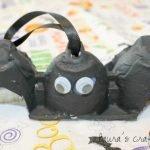egg carton bat with hanger