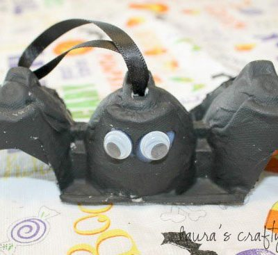 egg carton bat with hanger
