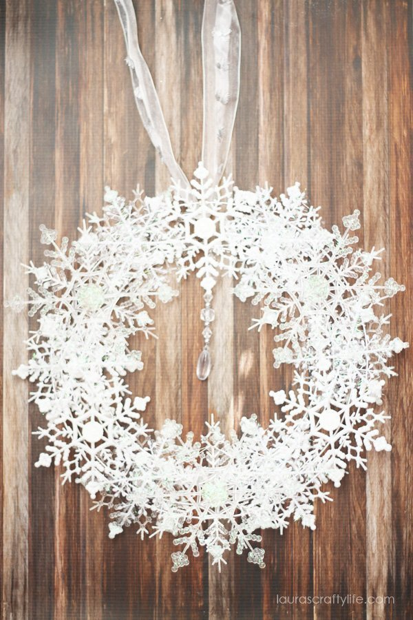 Dollar Tree snowflake wreath tutorial