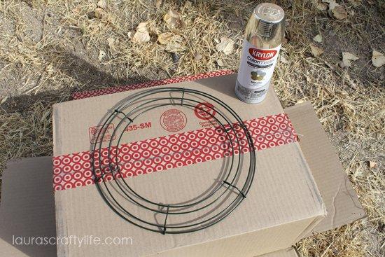 spray paint wreath frame