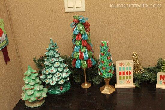 Christmas tree display left side