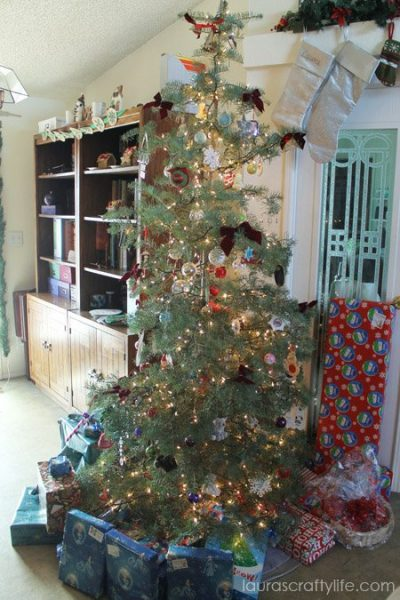 Christmas tree with bookshelf