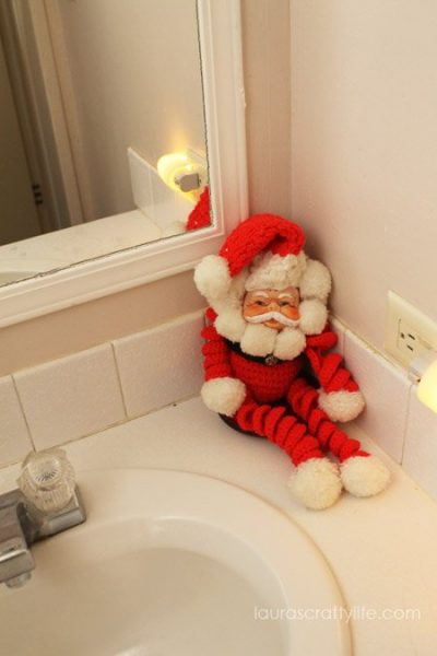 yarn Santa doll
