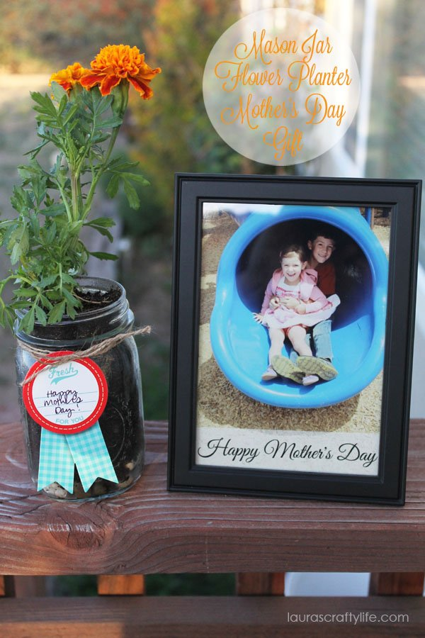 Mason Jar Flower Planter Mother's Day Gift  {Laura's Crafty Life}