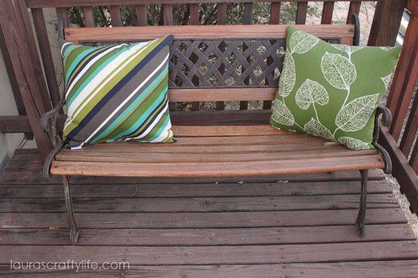 DIY Refurbished Bench via Laura's Crafty Life