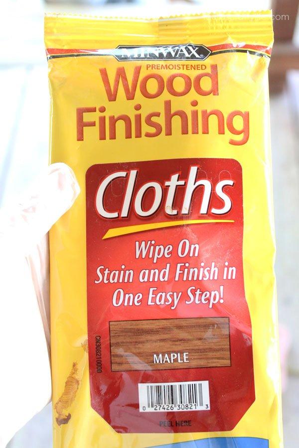 Minwax Wood Finishing Cloths in Maple