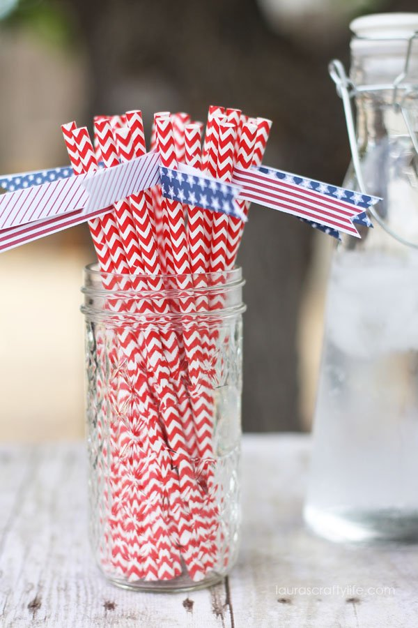 4th of July Straw Flags via Laura's Crafty Life