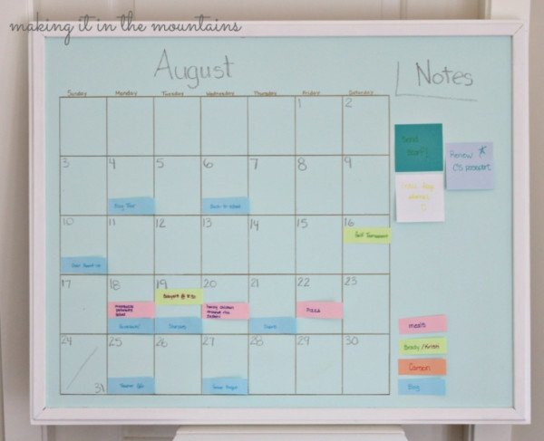 16DIY-Aqua-Chalkboard-Calendar-with-Sharpie