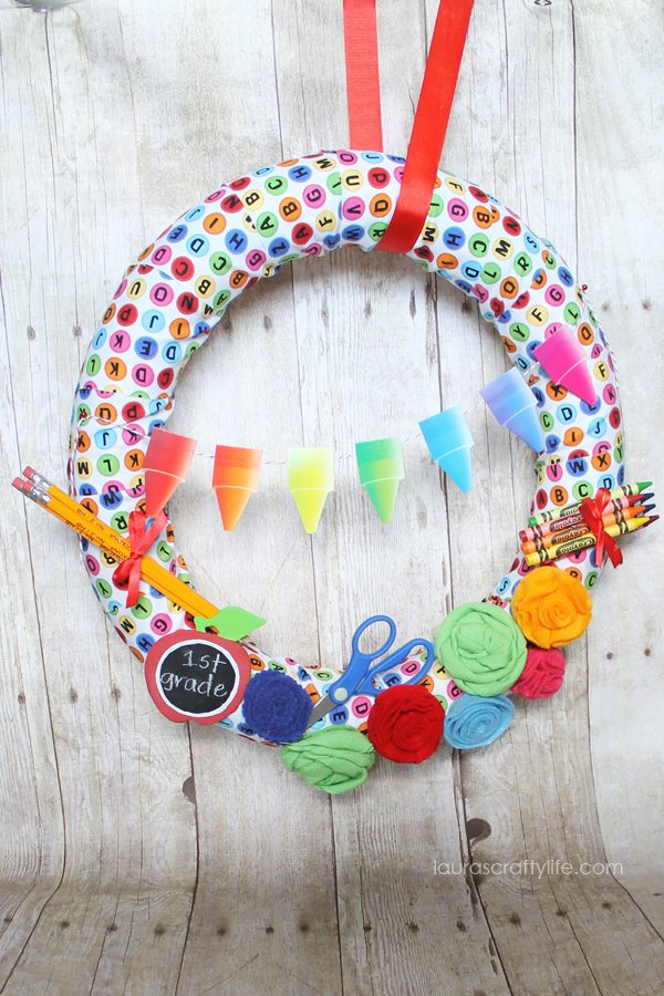 Back to School Wreath - Laura's Crafty Life