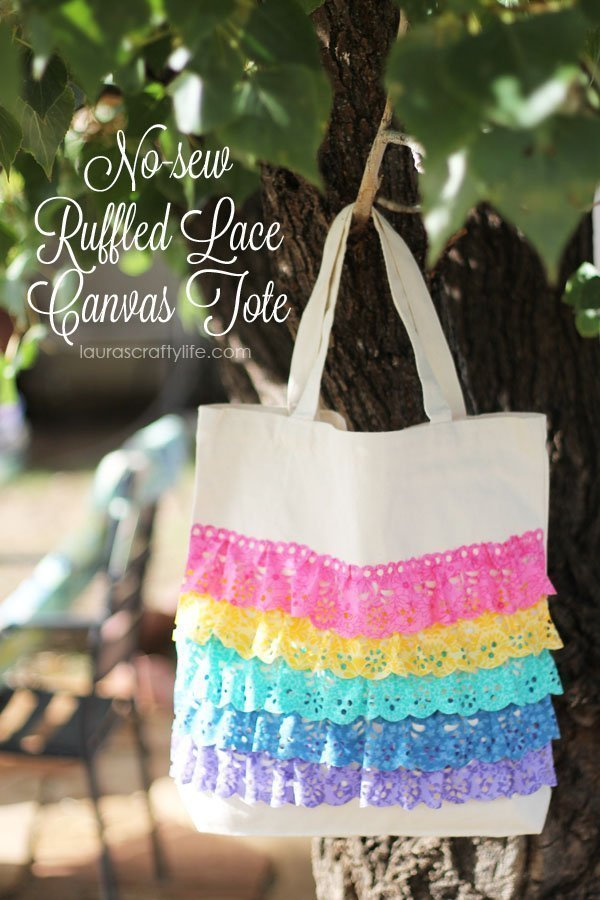No-sew Ruffled Lace Canvas Tote by Laura's Crafty Life