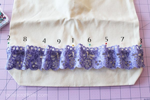 Position of pins to create ruffle