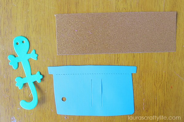 Supplies for lizard gift tag