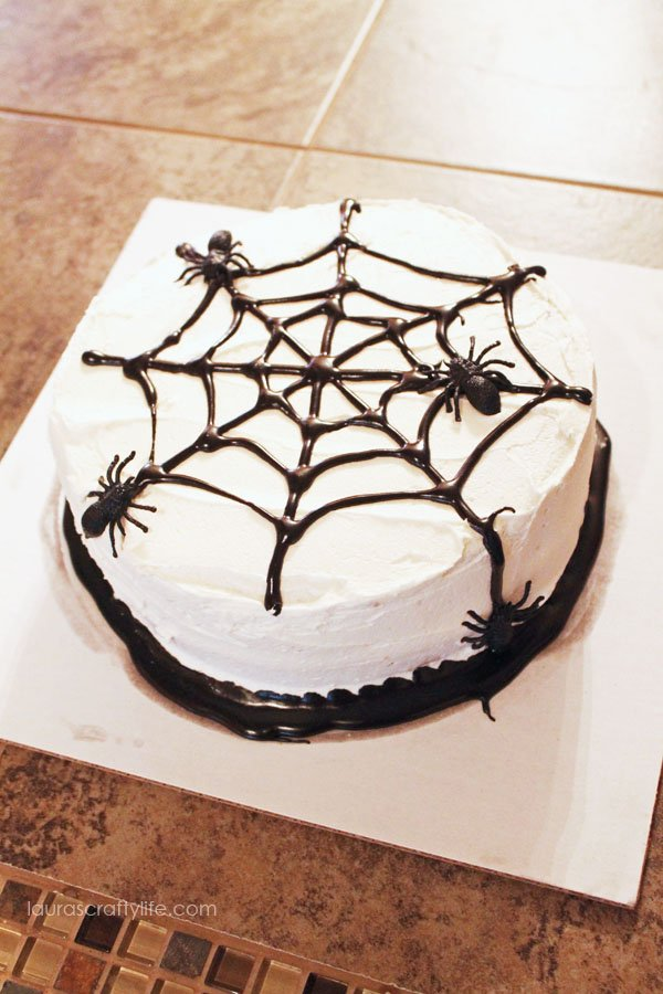 Spider Cake for Halloween Party
