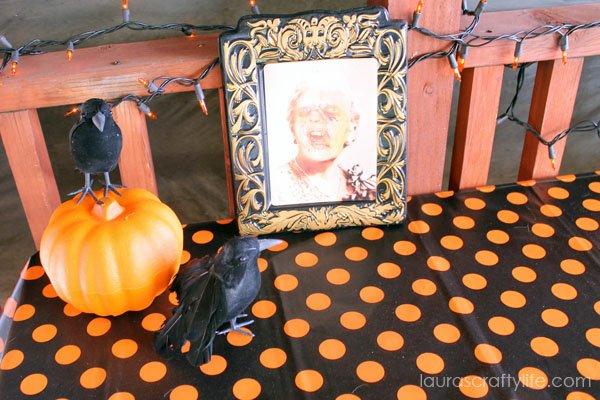 Spooky Halloween party decor
