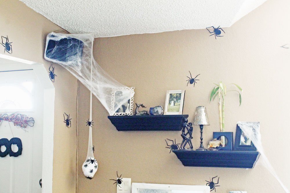 spooky spider display