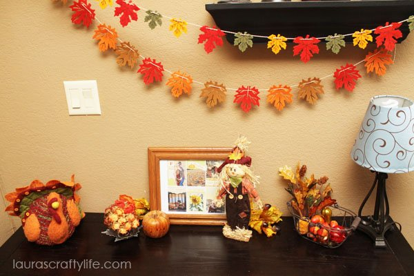 Fall tablescape with felt leaf garland