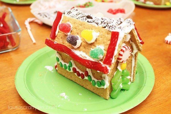 Graham Cracker Gingerbread House - Laura's Crafty Life