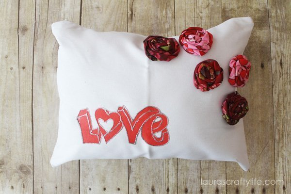 Love Pillow - Laura's Crafty Life