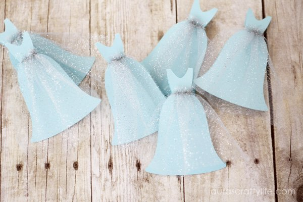 Princess dress (Frozen) birthday invitations by Laura's Crafty Life