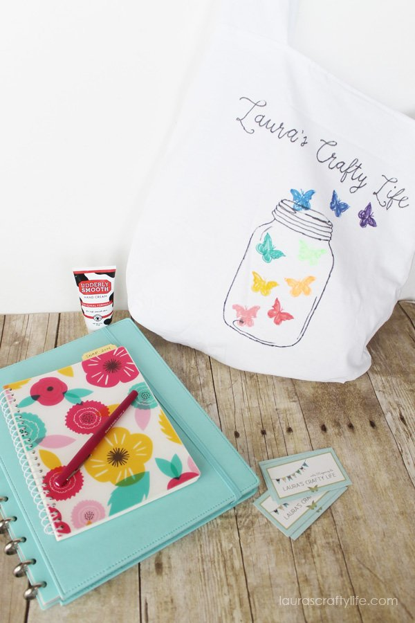Essentials for craft and DIY blog conferences - Laura's Crafty Life