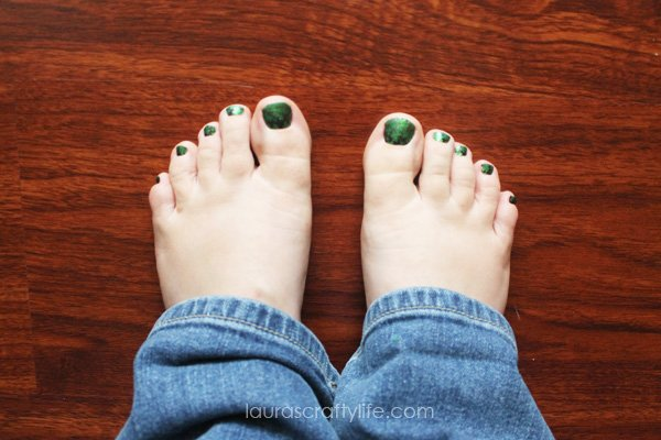 Jamberry Nails Shamrockin' pedicure - Laura's Crafty Life