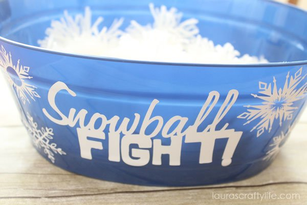 Pom Pom Snowball Fight game for Frozen party - Laura's Crafty Life