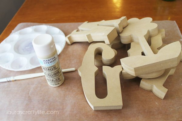 Supplies to paint wooden letters