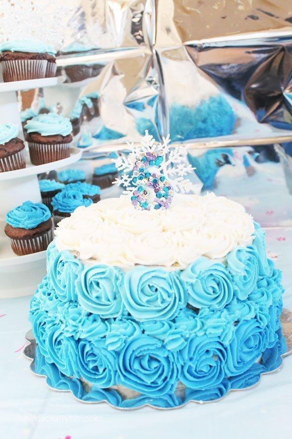 Disney Frozen Cake - Laura's Crafty Life