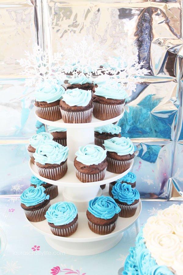 Disney Frozen Cupcakes - Laura's Crafty Life