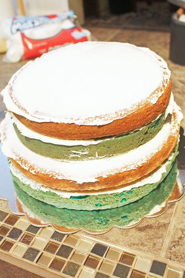 Inside of layers of Frozen birthday cake