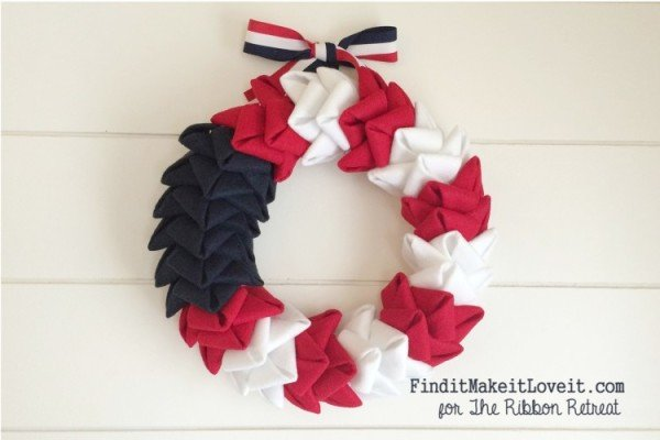 patriotic-felt-petal-wreath-6-750x500
