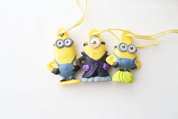 Minion toys in General Mills cereal - they all hook together!
