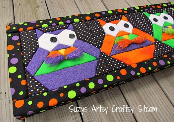 halloween-hooty-owls-no-sew-quilted-wall-art2-600x422