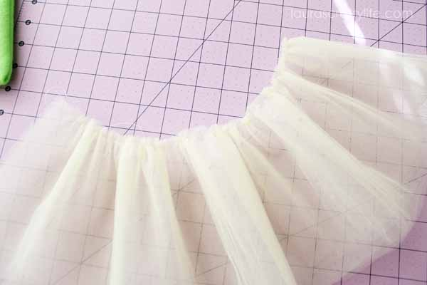 Gathered tulle for tutu bag