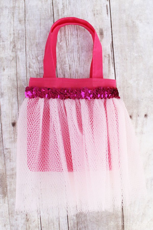 Sleeping Beauty (or Aurora) princess tutu bag tutorial