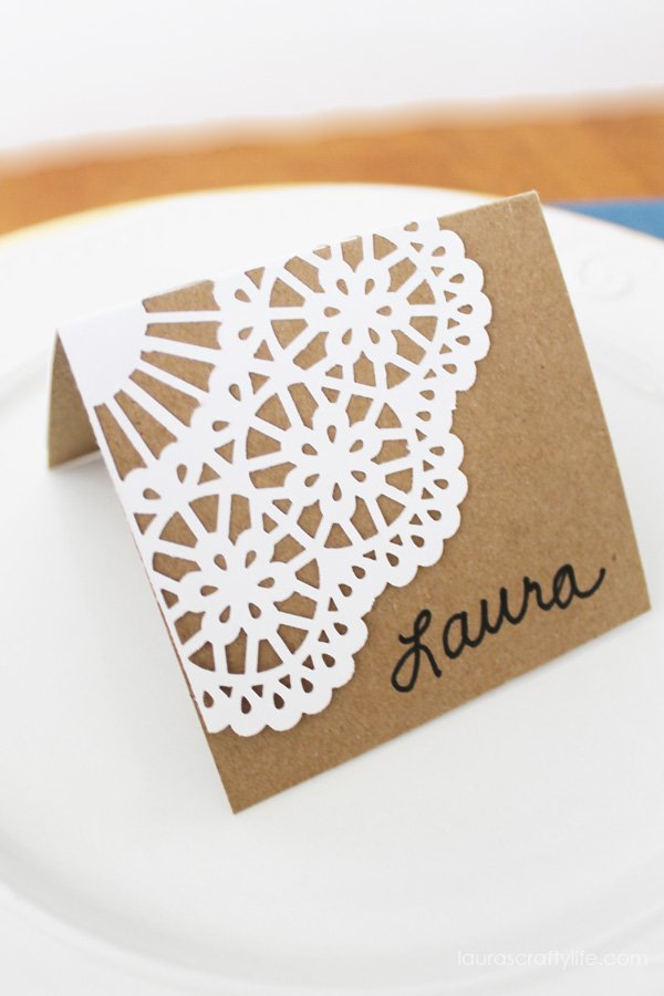 Holiday Place Card tutorial - Laura's Crafty Life