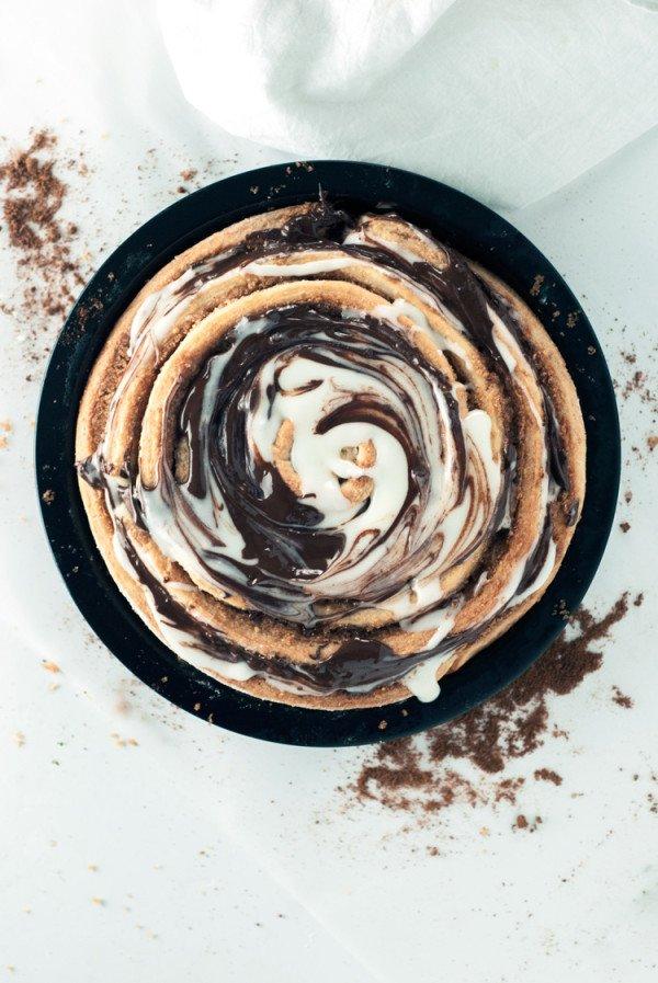 Peanut-Butter-Cinnamon-Roll-Cake-11