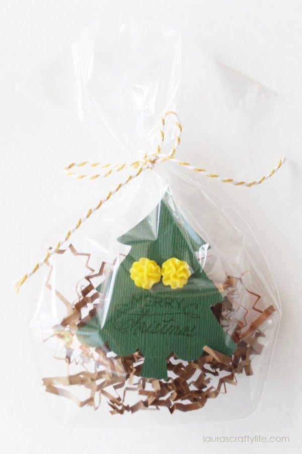 Gift wrap idea for earrings