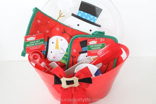 Holiday kitchen gift basket
