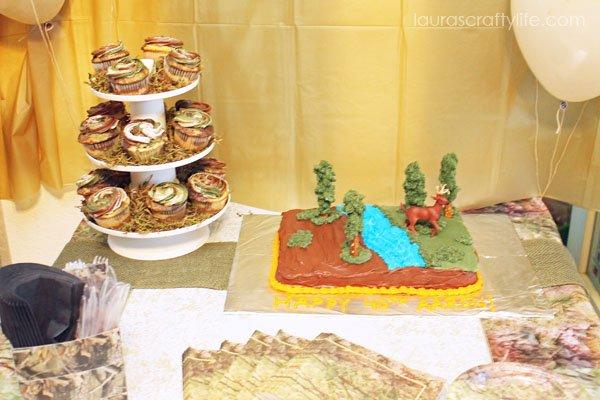 Camo party - dessert table