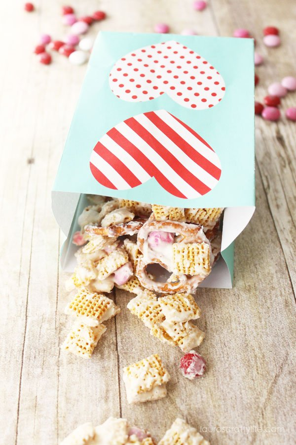 Valentine's Day Chex Mix - Laura's Crafty Life