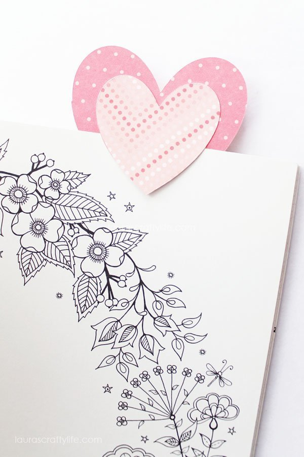 Valentine's Day Heart Bookmark - Laura's Crafty Life