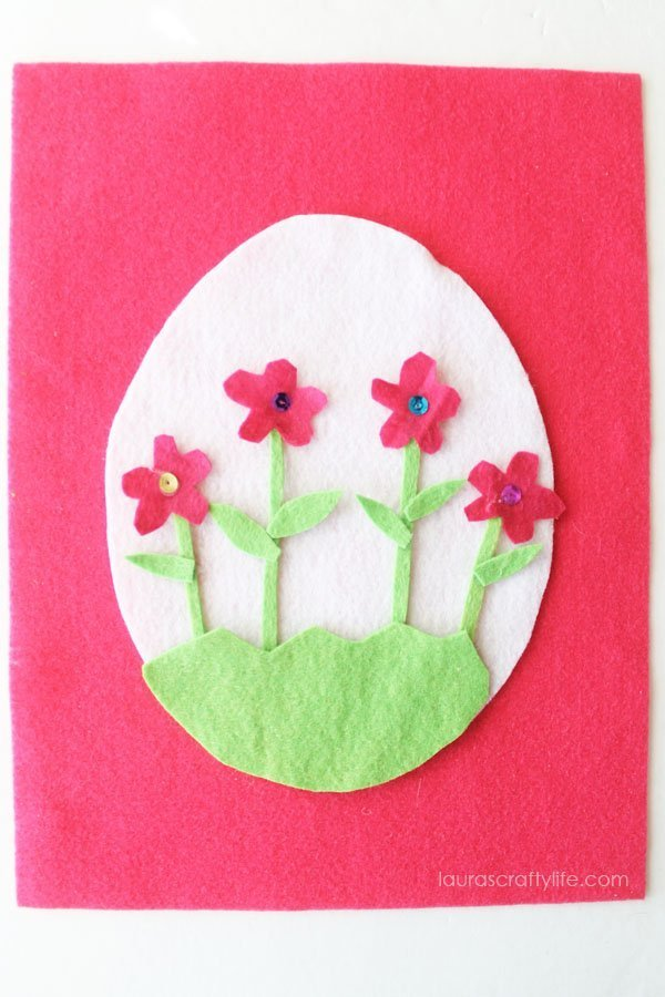 Flower Easter egg felt craft