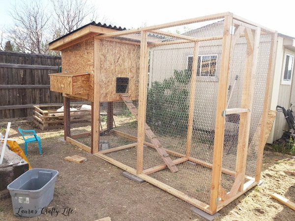 Ramp for chickens to get up into coop