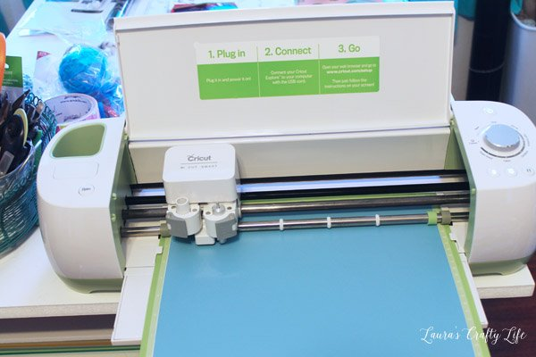 Use Cricut Explore to cut out vinyl labels for kitchen containers